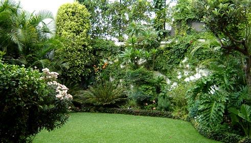 Paysagiste hennebont en morbihan cr ation et entretien for Conception de jardin dans le paysage